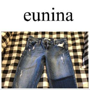 eunina MIA Mid Rise Relaxed Skinny Crop